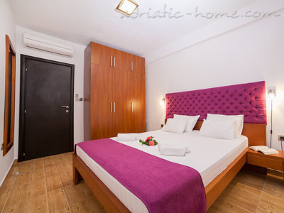 Apartments RAYMOND-One bedroom apartments with balcony, Sveti Stefan, Montenegro - photo 6