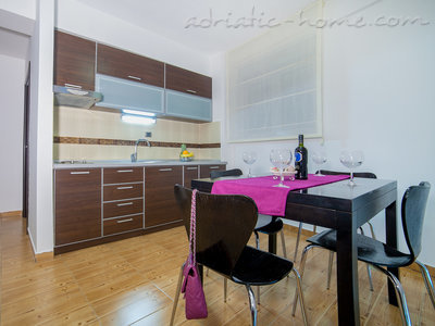 Apartments RAYMOND-One bedroom apartments with sea view, Pržno, Montenegro - photo 7