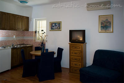 Studio apartment VILLA NAUTICA I,II , Herceg Novi, Montenegro - photo 4