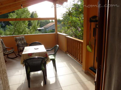 Studio apartment MIRA, Hvar, Croatia - photo 1