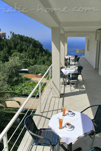 Studio apartment & restaurant ŠUMET III, Sveti Stefan, Montenegro - photo 2