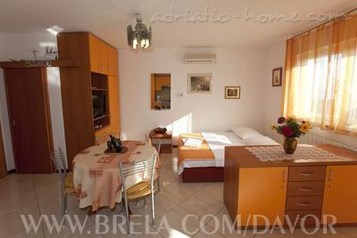 Apartments DAVOR TOMAŠ 8, Brela, Croatia - photo 3