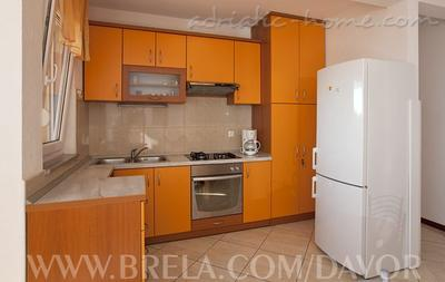 Apartments DAVOR TOMAŠ 8, Brela, Croatia - photo 6