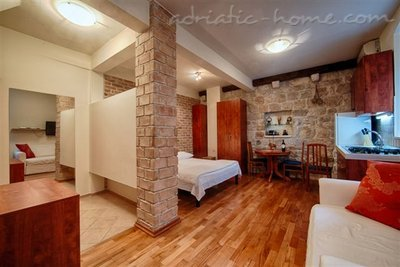 "Studio apartment ""Salvia"" - VILLA NONNA, Vis, Croatia - photo 2"