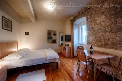 "Studio apartment ""Laurus"" - VILLA NONNA, Vis, Croatia - photo 3"