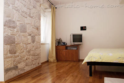 "Studio apartment ""Olea"" - VILLA NONNA, Vis, Croatia - photo 4"