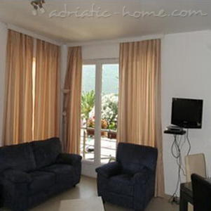 Apartments VILLA PRESIDENT IV, Herceg Novi, Montenegro - photo 5