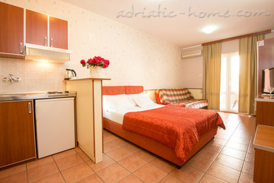 "Studio apartment STUDIO APARTMENTS""SOFIJA"", Budva, Montenegro - photo 13"