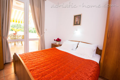 "Leiligheter ""FAMILY ONEBEDROOM APARTMENT ""SOFIJA"" WITH BIG BALKONY, Budva, Montenegro - bilde 8"