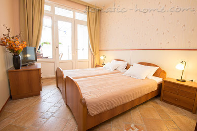 "Appartamenti ""FAMILY ONEBEDROOM APARTMENT ""SOFIJA"" WITH BIG BALKONY, Budva, Montenegro - foto 14"