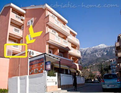 "Apartmanok ""FAMILY ONEBEDROOM APARTMENT ""SOFIJA"" WITH BIG BALKONY, Budva, Montenegro - fénykép 3"