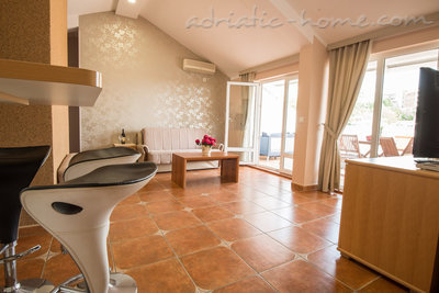 "Apartments THREEBEDROOM COMFORT APARTMENT ""SOFIJA""WITH SEA VIEW, Budva, Montenegro - photo 11"