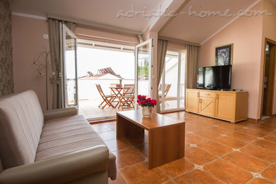"Apartments THREEBEDROOM COMFORT APARTMENT ""SOFIJA""WITH SEA VIEW, Budva, Montenegro - photo 2"