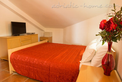 "Apartments THREEBEDROOM COMFORT APARTMENT ""SOFIJA""WITH SEA VIEW, Budva, Montenegro - photo 9"