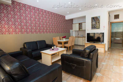 "Апартаменты EXTRA LARGE JEDNOSOBAN APARTMENT ""SOFIJA"", Budva, Черногория - фото 1"