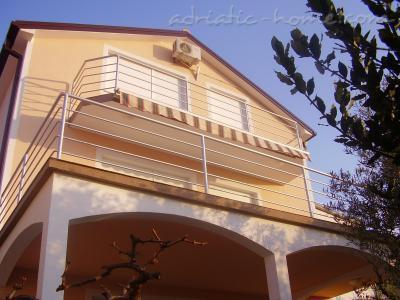 Apartments LILI II, Murter, Croatia - photo 4