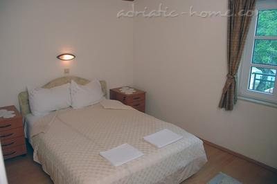 Apartments PEROVIĆ III, Petrovac, Montenegro - photo 3
