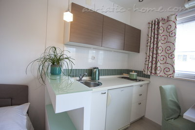 Studio apartment Villa MAKARANA, Makarska, Croatia - photo 9