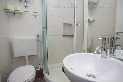 Studio apartment Villa MAKARANA, Makarska, Croatia - photo 10