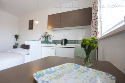 Studio apartment Villa MAKARANA, Makarska, Croatia - photo 1