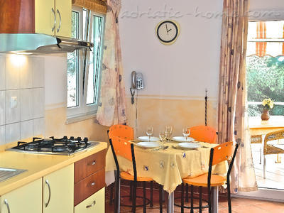 Apartment DEVERON III, Hvar, Croatia - photo 4
