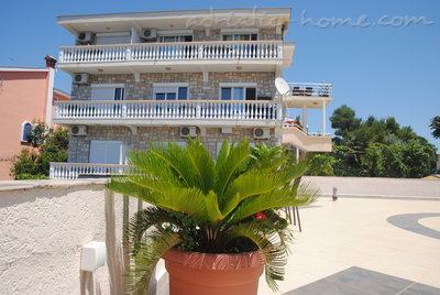 Apartments SUN II, Ulcinj, Montenegro - photo 2