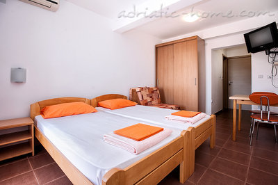 Studio apartment ĐUROVIĆ  VI, Petrovac, Montenegro - photo 4