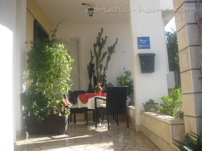 Apartamentos Comfort Apartment with Terrace (5 - 6 Adults), Makarska, Croácia - foto 11