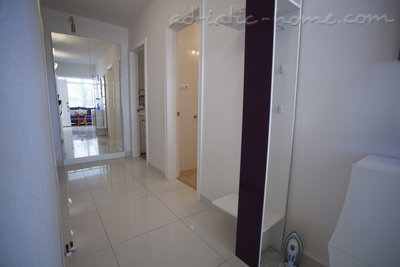 Apartamentos Comfort Apartment with Terrace (5 - 6 Adults), Makarska, Croácia - foto 4