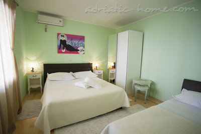 Appartementen Comfort Apartment with Terrace (5 - 6 Adults), Makarska, Kroatië - foto 1