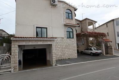 Appartementen Apartment with Balcony and Sea View (3 Adults), Makarska, Kroatië - foto 8