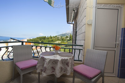 Apartmaji Apartment with Balcony and Sea View (3 Adults), Makarska, Hrvaška - fotografija 15