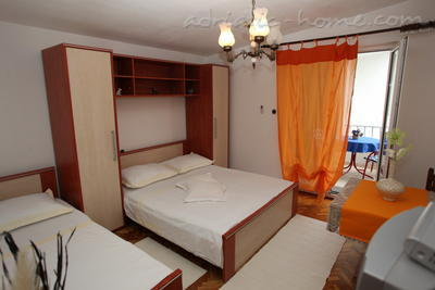 Appartementen Studio Apartment with Terrace (2 - 3 Adults)	, Makarska, Kroatië - foto 1