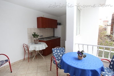 Appartementen Studio Apartment with Terrace (2 - 3 Adults)	, Makarska, Kroatië - foto 6