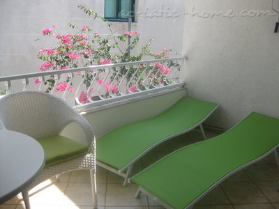 Appartementen Studio Apartment with Terrace (2 - 3 Adults)	, Makarska, Kroatië - foto 4