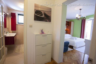 Appartementen Studio Apartment with Terrace (2 - 3 Adults)	, Makarska, Kroatië - foto 10