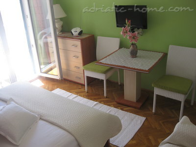 Apartments Studio Apartment with Terrace (2 - 3 Adults)	, Makarska, Croatia - photo 2