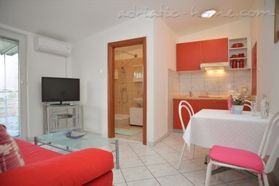 Apartments LEPUR IV, Vodice, Croatia - photo 4