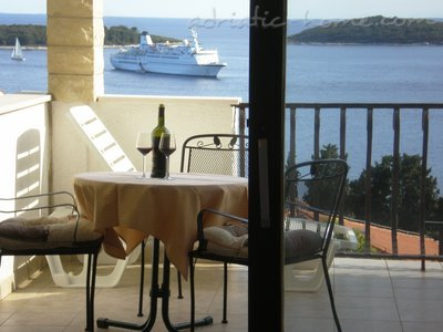 Apartments Tamara Hvar town - Ap PINK 2+1, Hvar, Croatia - photo 2