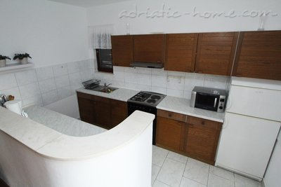 Apartments 4+2, Sv. Filip i Jakov, Croatia - photo 3