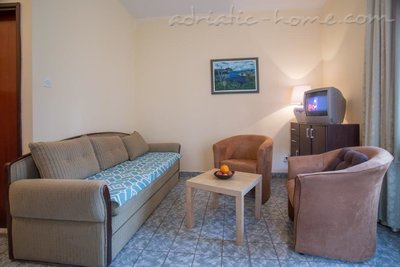Apartments Boskovic for 4 pax, Budva, Montenegro - photo 2