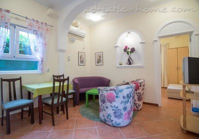 Apartmaji Boskovic- Mini House for 4 persons, Budva, Črna Gora - fotografija 2