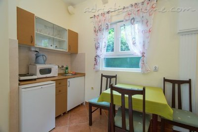 Apartmaji Boskovic- Mini House for 4 persons, Budva, Črna Gora - fotografija 4