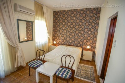Rooms Boskovic, Budva, Montenegro - photo 7