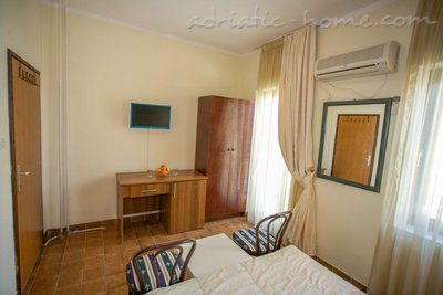Rooms Boskovic, Budva, Montenegro - photo 8