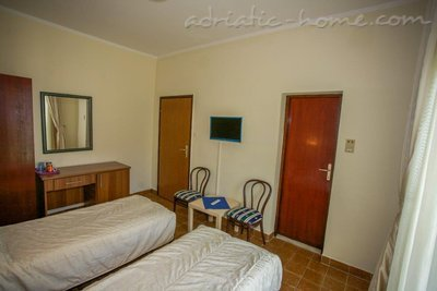 Rooms Boskovic, Budva, Montenegro - photo 9