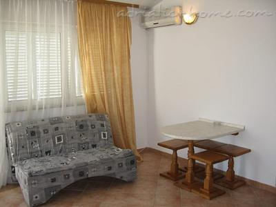 Apartment MEŠTROVIĆ  II, Pag, Croatia - photo 4