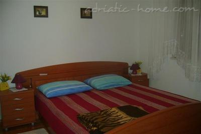 Apartment KELAVA III, Bra, Croatia - photo 2