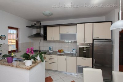 Apartments ANKA III, Sv. Filip i Jakov, Croatia - photo 4