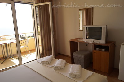 Rooms ADRIATIC, Ulcinj, Montenegro - photo 2